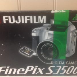 FugiFilm Finepix Digital Camera s3500 Brand New in Box